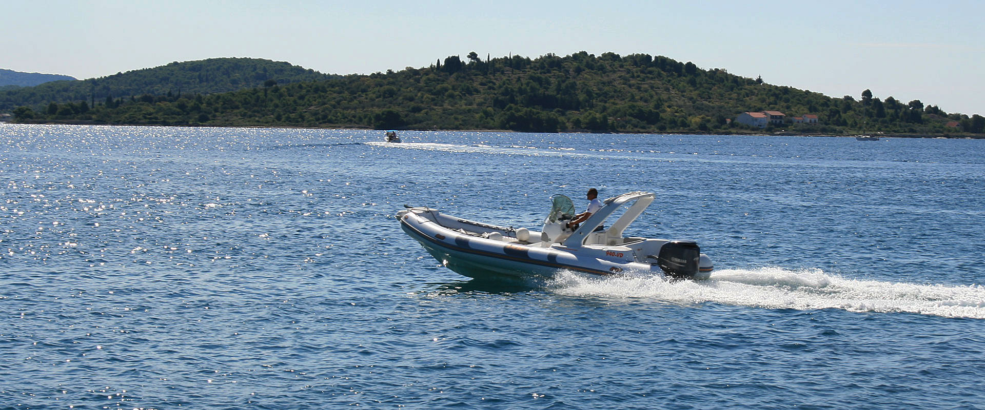 Rent a Boat Vodice Bat Indian 680